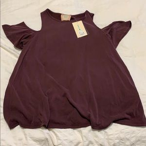 Shoulder cut out top maroon NWT
